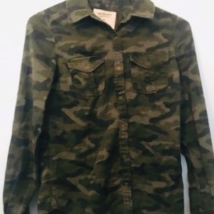 Arizona Jeans Cammo Shirt- XS